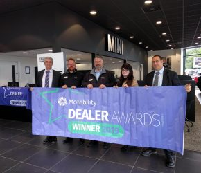 Snows MINI Portsmouth awarded for excellent Motability service