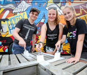 Young citizens roll up their sleeves to help others