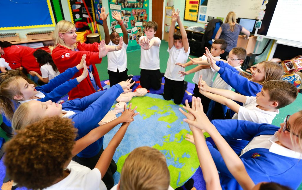 Heartbeatz UK paid a visit to Kanes Hill Primary School for Dr Clare Morden and Dr Lina Cheilch to teach their CPR workshops to music.