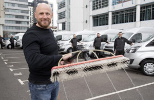 Window cleaners' long pole sets world record
